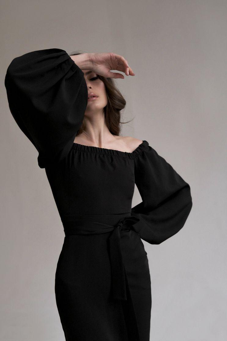 Черное платье с открытыми плечами и рукавами-фонариками Goodvibes (Арт 241)