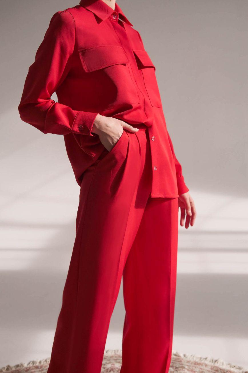 Красный костюм-двойка прямого кроя с рубашкой Toulouse (Арт 422)