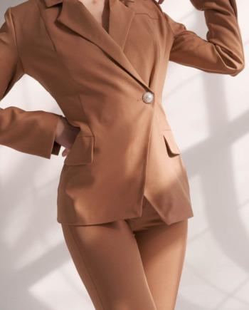 Песочный костюм пиджак и брюки с разрезами Montpellier (Арт 416)