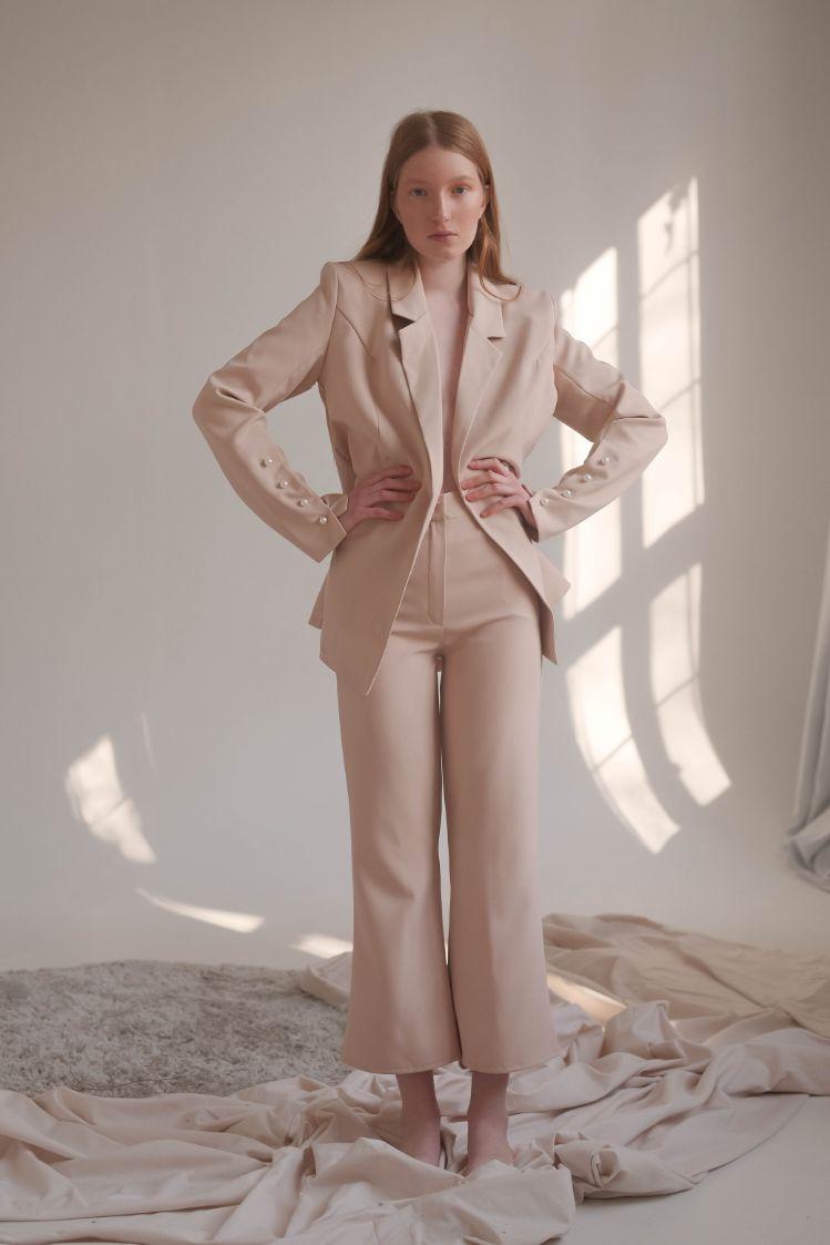 Бежевый Костюм пиджак + брюки кюлоты Toulon (Арт 429)