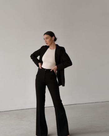 Чёрный костюм брюки и пиджак с разрезом на спине Trieste  (Арт 413)