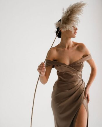 Бежевое атласное платье Alfortville (Арт 450)